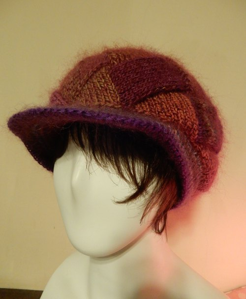 Pure hand-woven wool cap