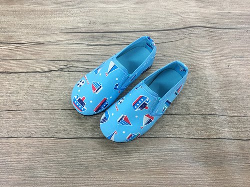 Children shoes boat light blue