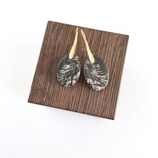 Black fossil coral Hook-earring / Clip-earring