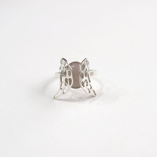 Ni.kou sterling silver angel ring
