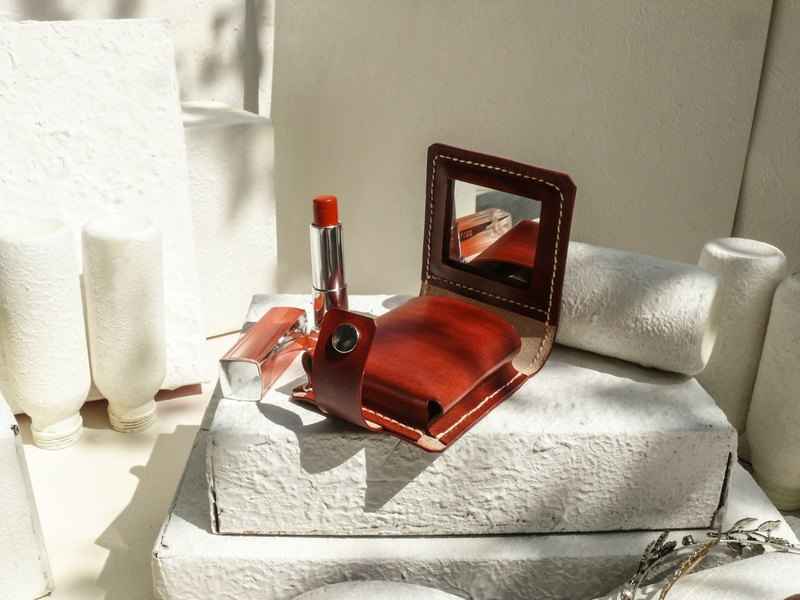 Do not hit the wine red vegetable tanned leather full leather lipstick box with mirror