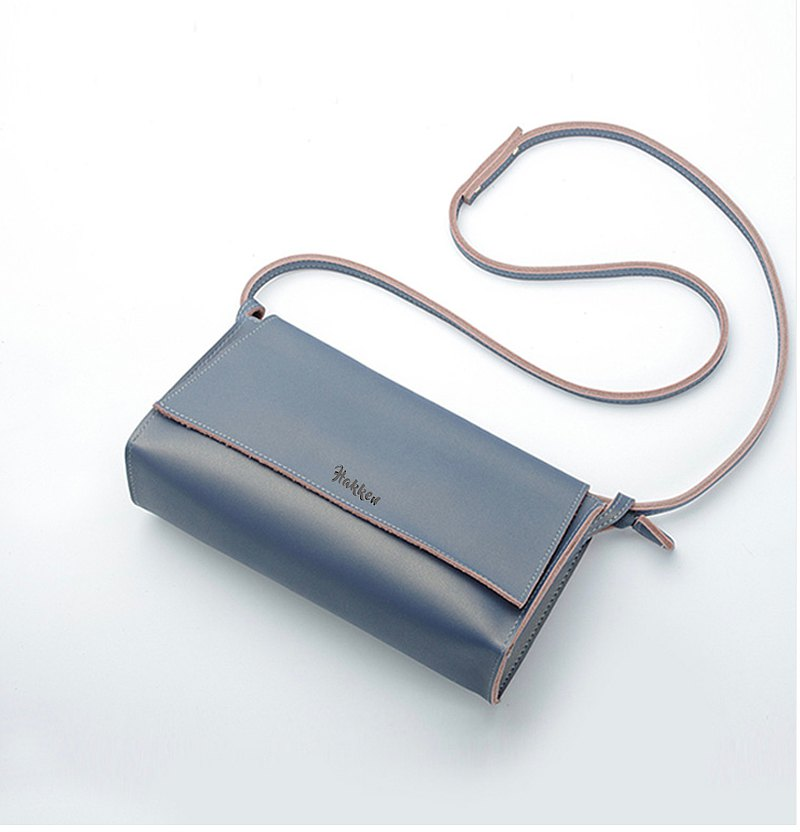 Classic Mini Cross Body Bag Retro • Leather