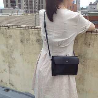 Side backpack, cross-body bag, carry-on bag, small bag, adjustable, camera bag, mobile phone bag, hand-stitched, leather black