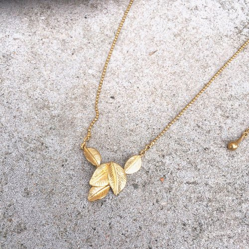 Sienna copper leaf necklace