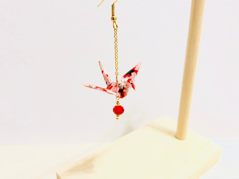 [Limited color system] Japan Qianhe paper crane series earrings