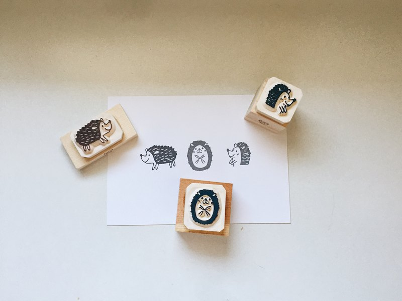Hand engraved rubber stamp / a hedgehog