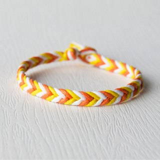 From shallow to deep - fine version of the gradient yellow / hand-woven bracelet