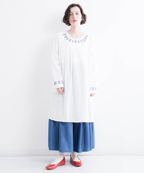 Bohemian Flower Embroidery Cotton Tack Dress