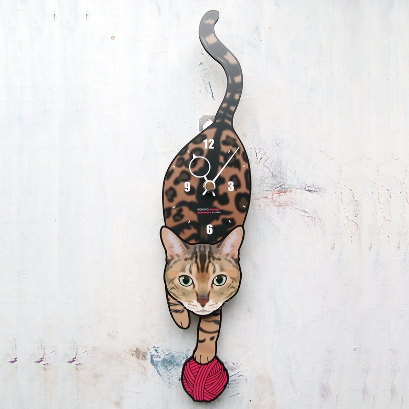 C-62 bengal cat - Pet's pendulum clock