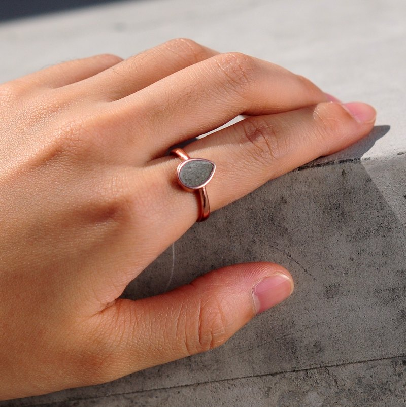Grey Concrete Drop Ring (Silver/Rose Gold) | Geometric Series