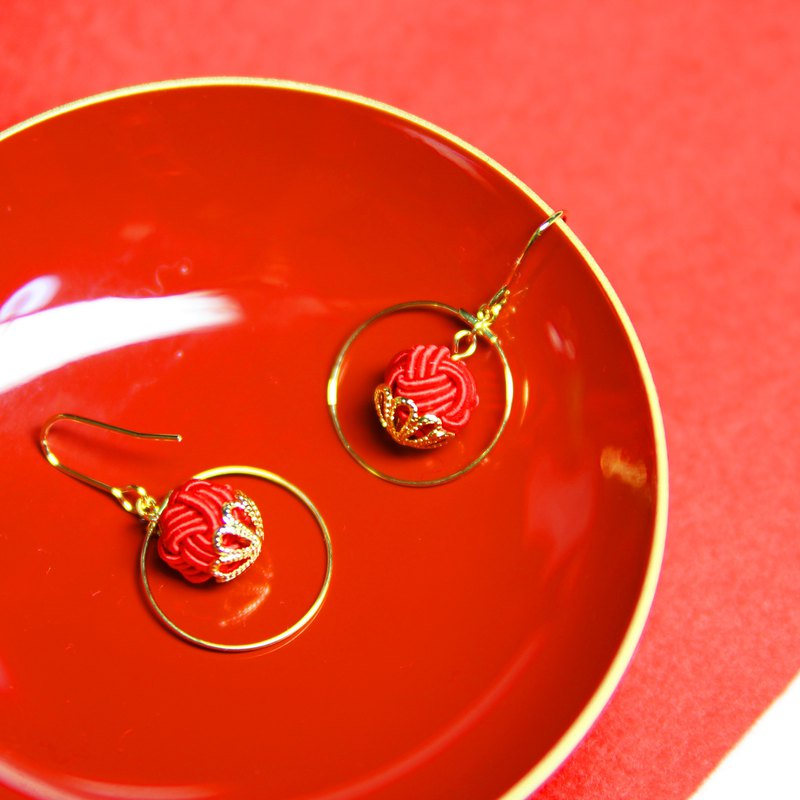 japanese style pierce earring / mizuhiki / japan / accessory / traditional / red
