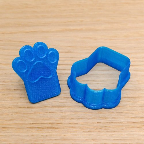 Translucent blue cat cookie cracker