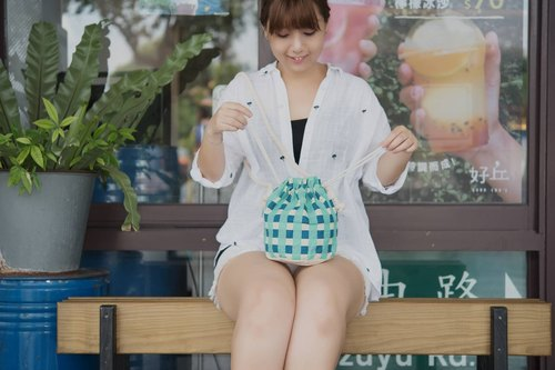 HiDots I'm going out to play*side back bunched bucket bag*(checkered section)