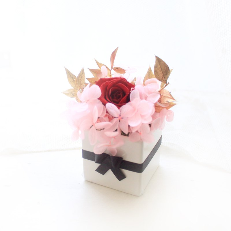 Sakura powder secret garden small table flower, immortal rose and pink hydrangea graduation gift