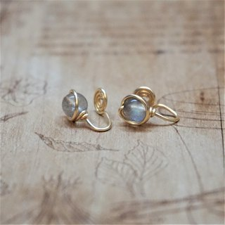 << Gold wire frame ear clip - Labradorite >> 6mm labradorite (also ear pin)