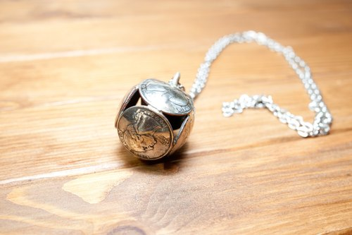 Dreamstation leather Pao Institute, US coins original handmade necklace ball.