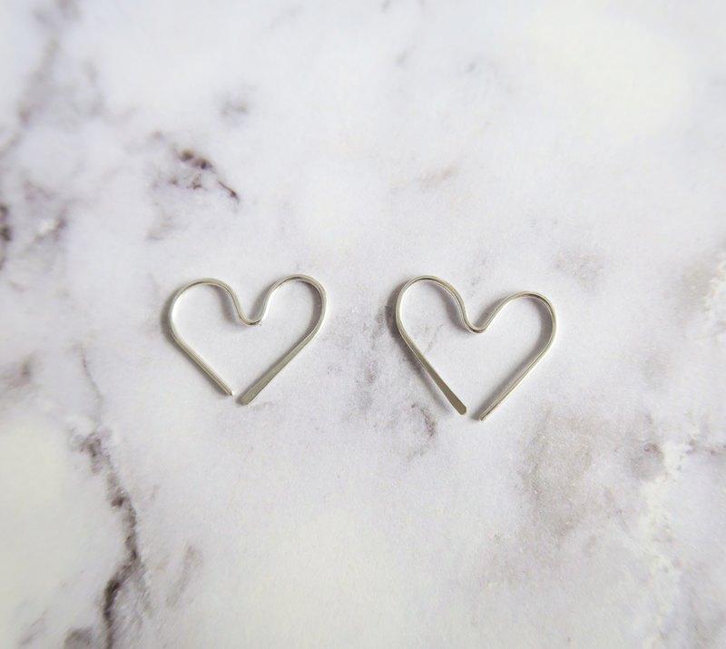 925純銀 輕銀耳飾-SWEET-極簡愛心形 耳環
