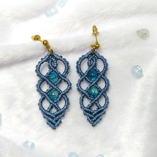 E012-Hand-woven woven pattern earrings through blue ice crack beads