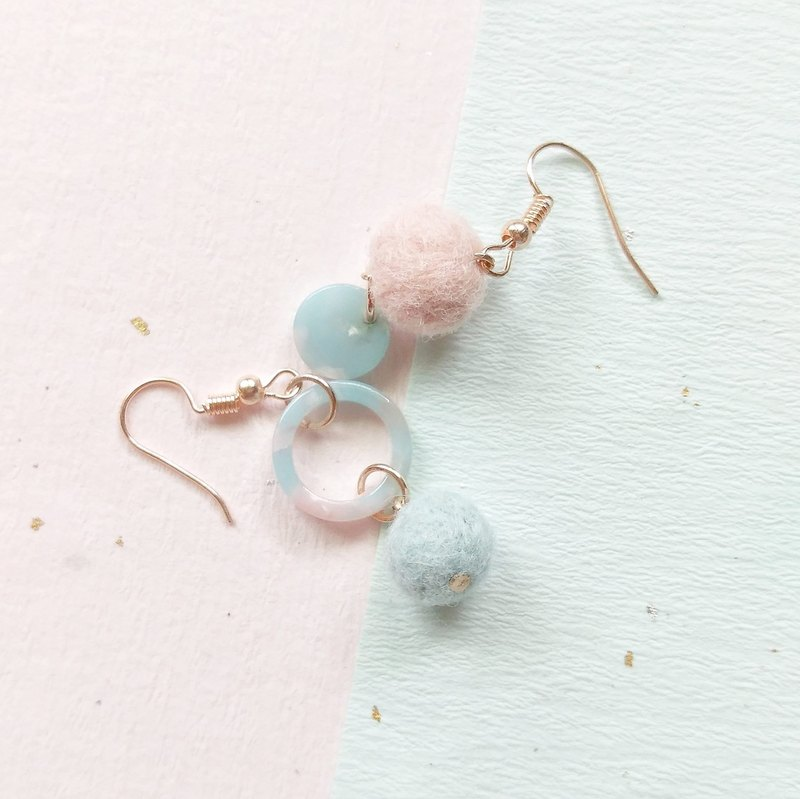 Blue powder asymmetrical earrings Korean wafer hand made sheep felt can change ear clip