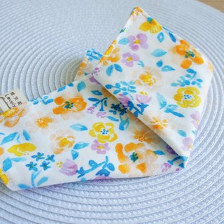 Lovely [Japan double yarn] blue yellow flower handkerchief, hand towel, saliva towel [white]