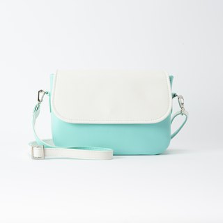 Round Rounded Side Backpack White X Tiffany Blue