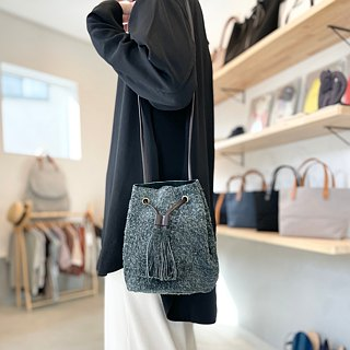"""Genuine leather"" Angora velor with a tassel 2 WAY Drawstring bag [Charcoal gray]"