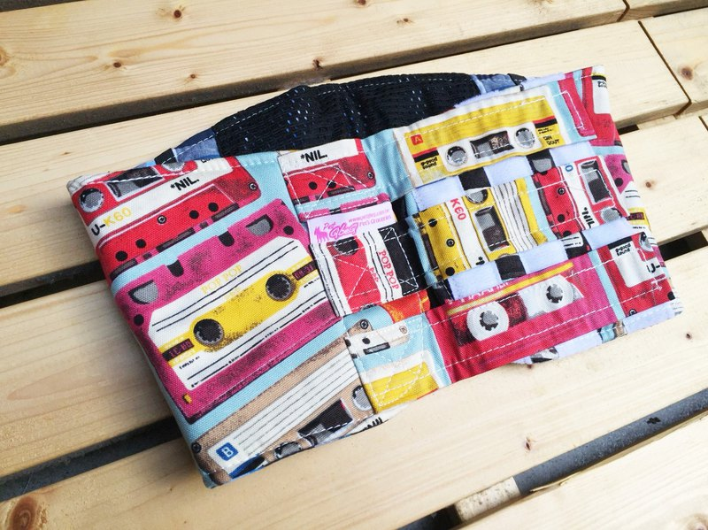 Vintage cassette does not slip down courtesy with XL S