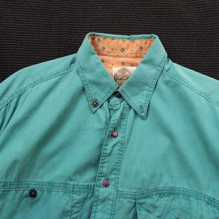 Ancient Cave firm │ │ primary colors of light green short-sleeved shirt vintage