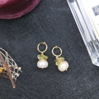 earring. Pearl * Peridot winding simple wind ear hook ear clip earrings