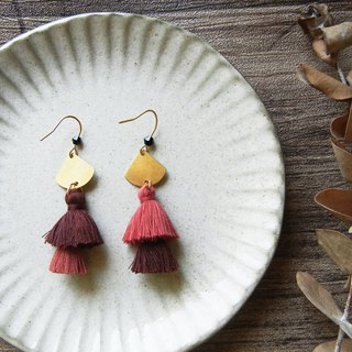 *coucoubird*Dry rose double-layer tassel earrings / color customizable