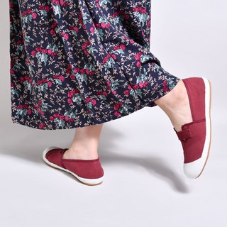 New BETTY bean red / lazy shoes / canvas shoes / casual shoes / Taiwan good products