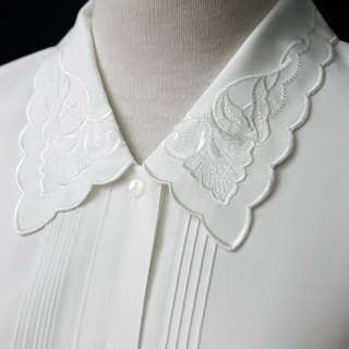 [RE0407T1938] Nippon retro forest department ginkgo leaf embroidered collar white shirt vintage