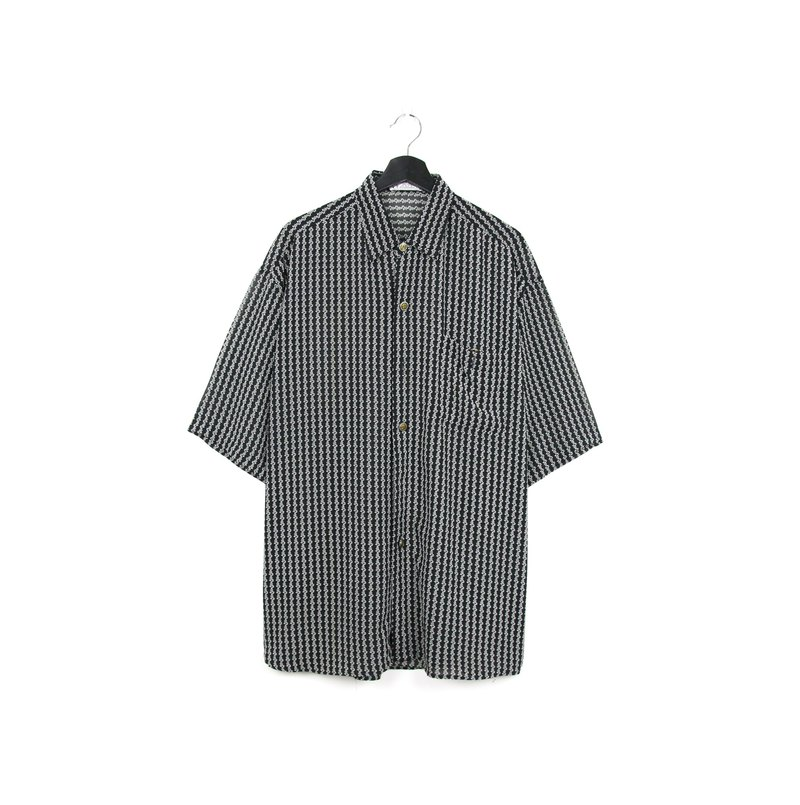 Back to Green:: Translucent black and white lines //vintage shirt