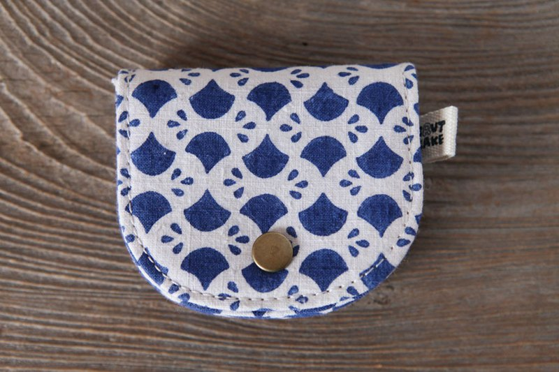 Brut Cake - Printed Vintage Retro Coin Purse (14) Can accommodate change banknote cards and headphones