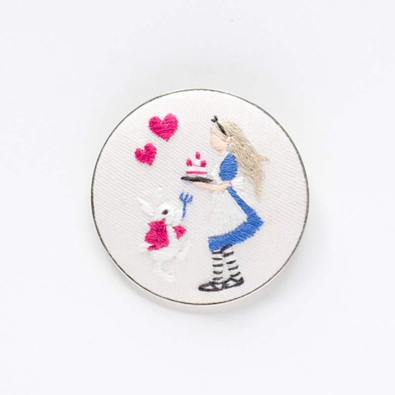 Alice in Wonderland - Embroidery Brooch Kit
