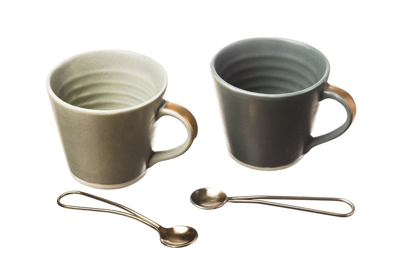 (NEW) - Stoneware Coffee Cup & Gold Spoon Condiment Set (UK)