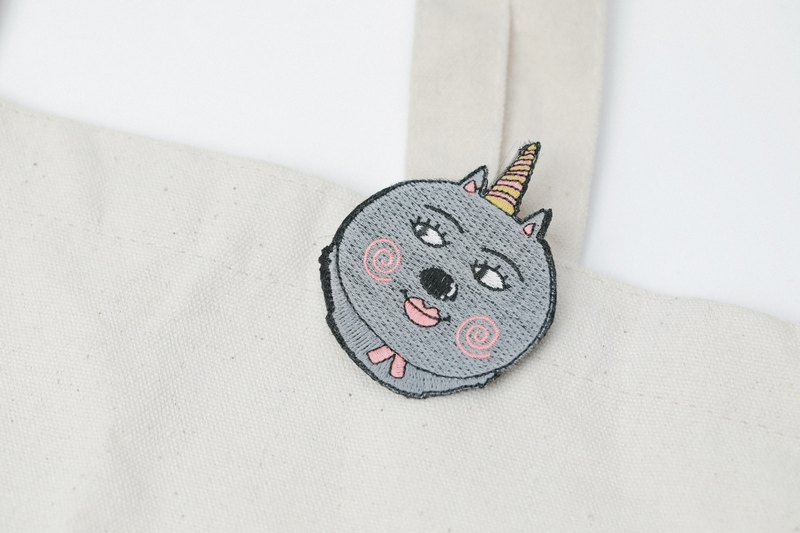 Belongs To J. Embroidery pins - My Unicorn Cat