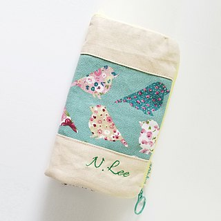 Standing Pen Case (Pastel Green Birds x Almond)