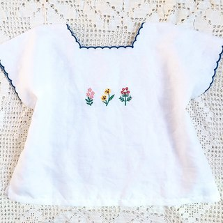 Mini Bota Embroidered Blouse