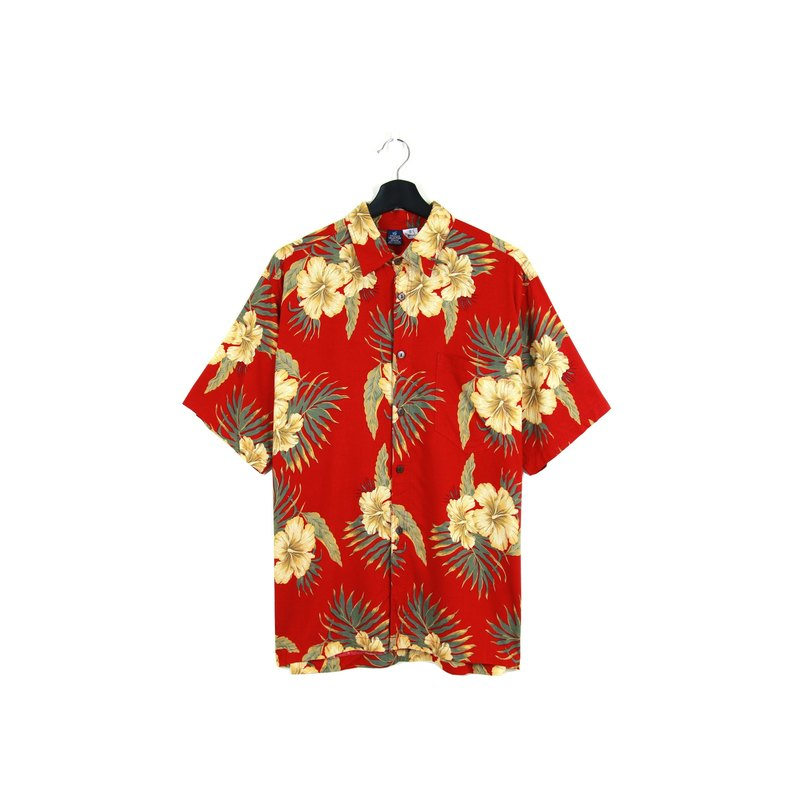 Back to Green :: Blood Red Roots & Flavors \ hintage Hawaii Shirts (H-38)