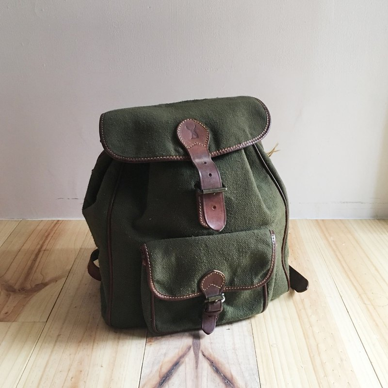 A ROOM MODEL - VINTAGE - CERVO Army Green Canvas Backpack / BB-0680