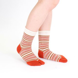 Fork pattern toe socks