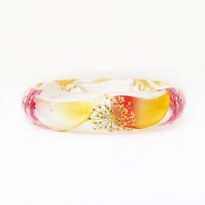 FlowerSays / Seasonal Special / Plumeria Real Flower Bracelet / YellowCollection