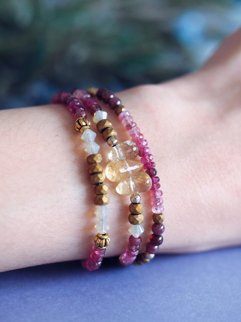 Garnet & Citrine antique gold beaded bracelet/ Delicate crystal bracelet