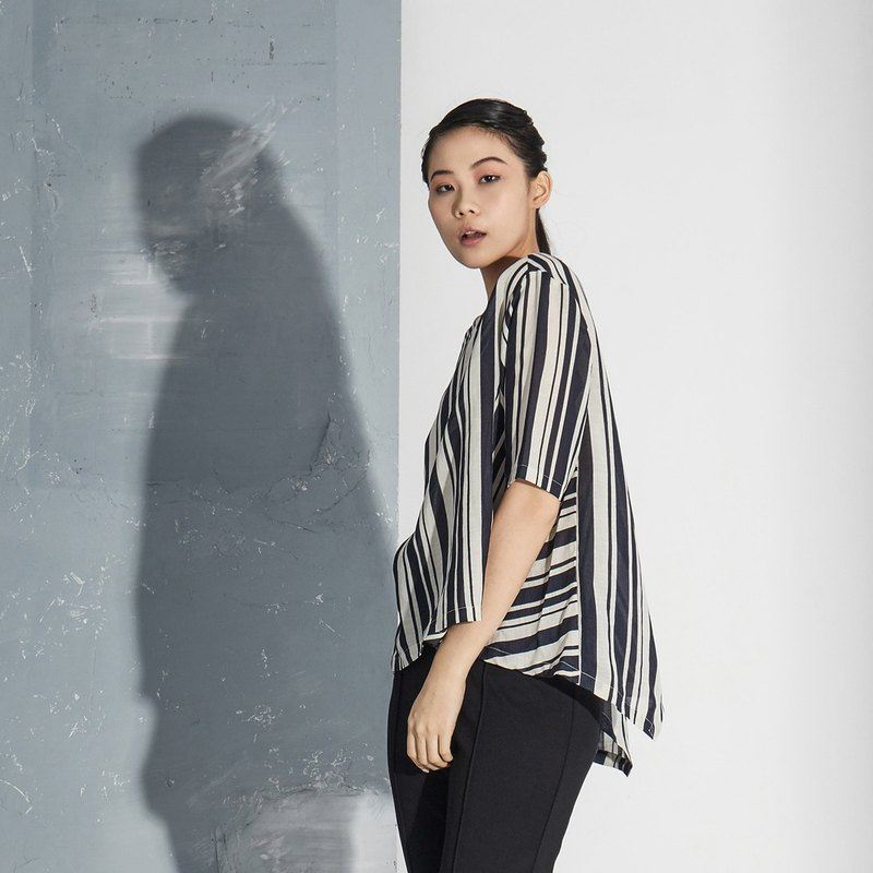 【In stock】 striped silhouette top