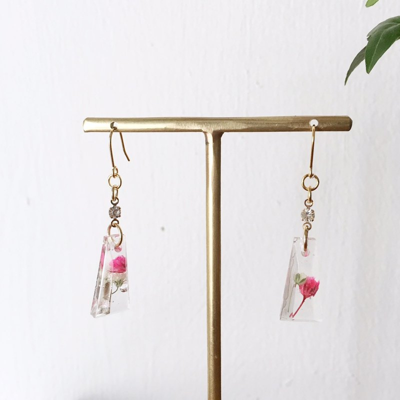 Swing earrings of babys breath 4