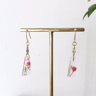 Swing earrings of babys breath Vol.4