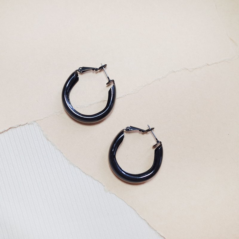 Solid color circle - pure black circle earrings earrings (pair) [changeable ear clips]