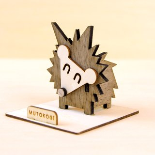 Happy little hedgehog x handmade wooden phone holder mobile phone holder wedding small things exchange gifts MUTOKOGI