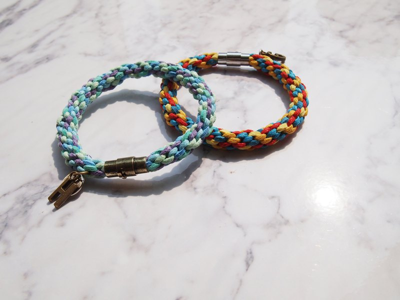 Custom hand-knitted cool color and warm color lucky twist twist couple hand rope